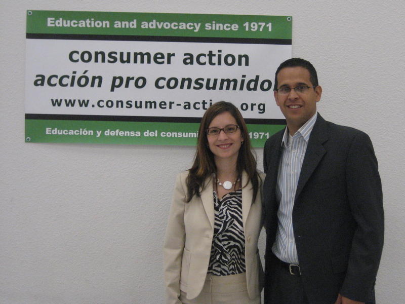 El_Paso_Roundtable-0-Sol Carbonell from Consumer Action and Carlos Gallinar from La Fe, CDC.