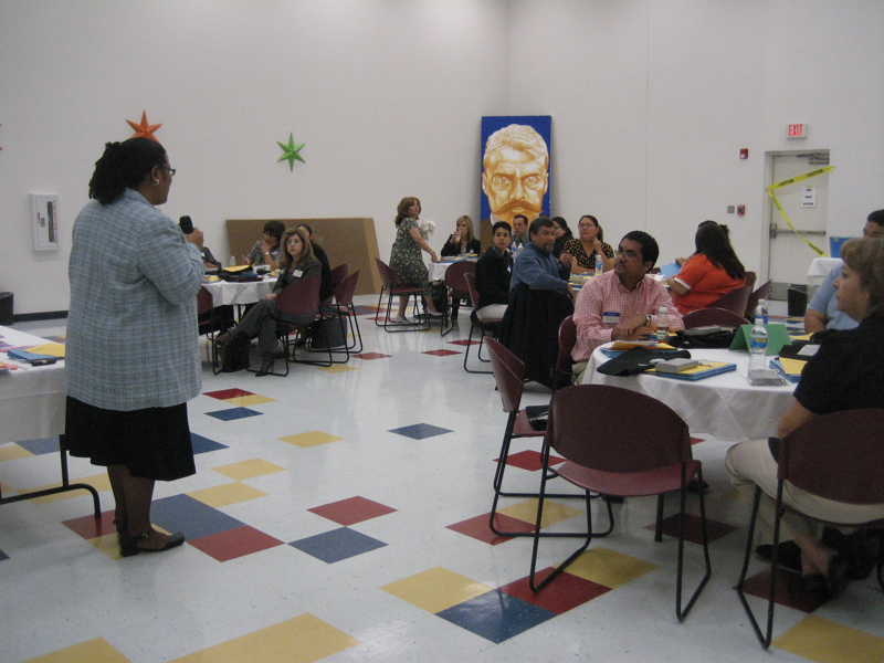 El_Paso_Roundtable-2-Audrey Perrott from Consumer Action welcoming participants.